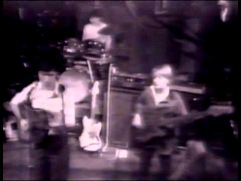 Talking Heads - This Must Be The Place - YouTube