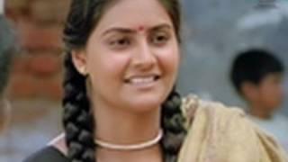 Beautiful actress Nandhagi - Aval Peyar Tamilarasi