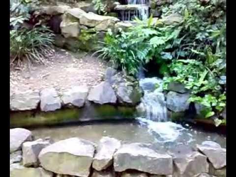 Cascada artificial del antiguo jard n bot nico en for Cascada artificial jardin