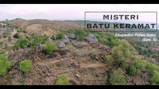 Batu Keramat di Kampung Adat   Ekspedisi Pulau Sabu (5)