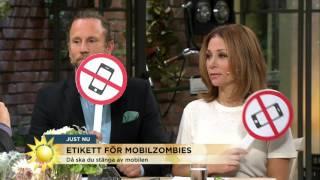 Se hur Peter och Tilde klarar sig i mobiletikett-testet - Nyhetsmorgon (TV4)