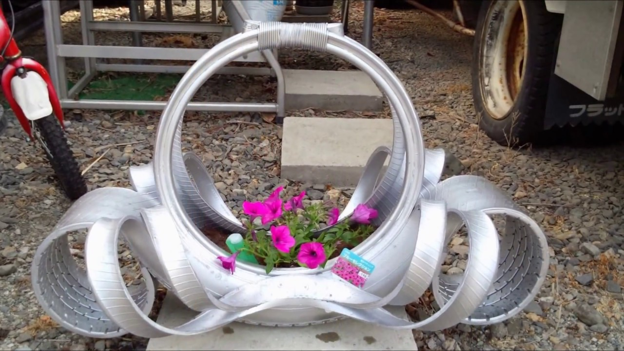 enfeites para jardim reciclados:Vasos Feitos Com Pneus