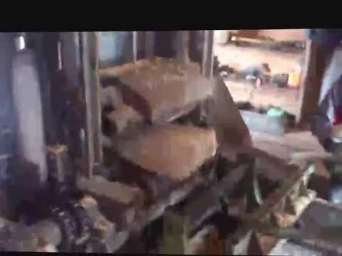 Бревнопильный станок завода «Алтайлестехмаш» - YouTube