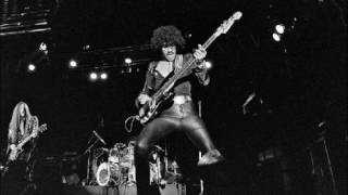 Thin Lizzy - Massacre (Live At Reading 1977)