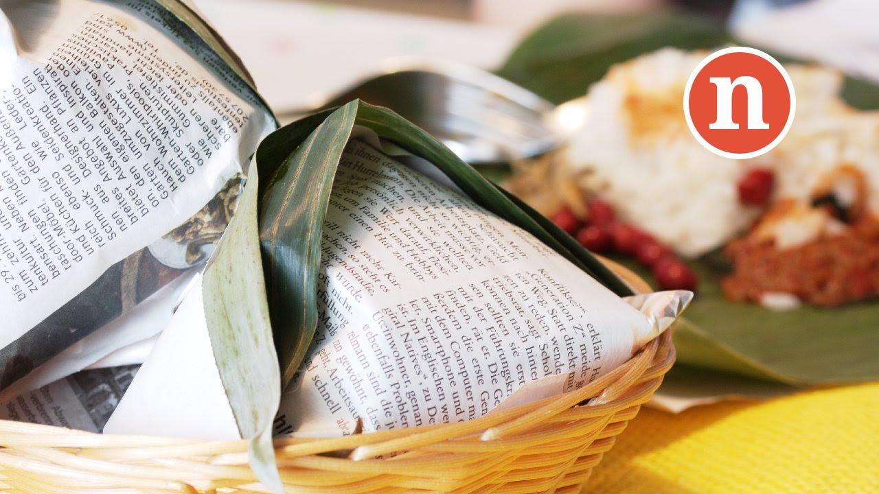 Nasi Lemak in Banana Leaf [Nyonya Cooking] - YouTube