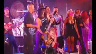 Смотреть клип Slash - Paradise City