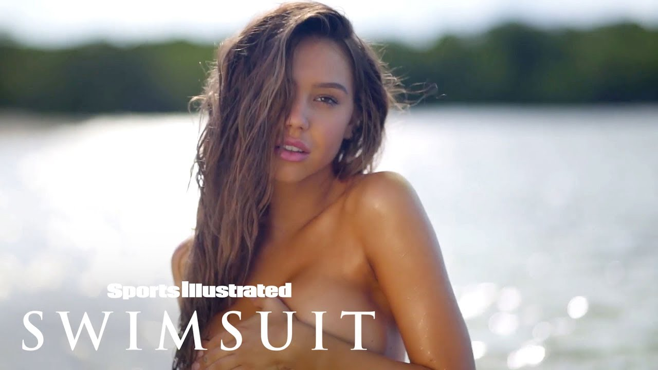 Alexis Ren Feels Herself, Dances For You In Aruba