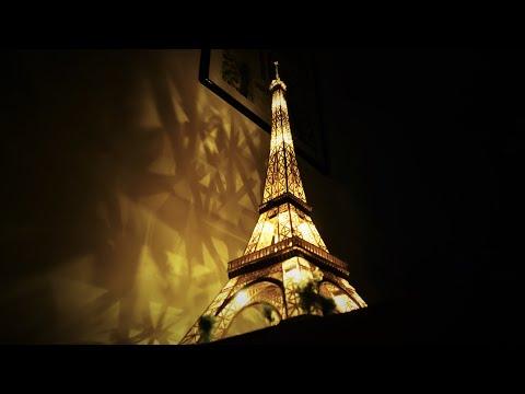Eiffel tower scale model (Full timelapse)