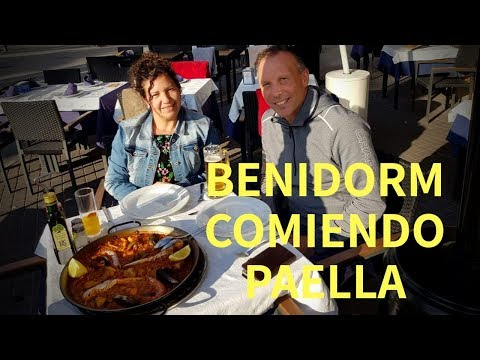 BENIDORM COMIENDO PAELLA MIXTA/REISE/Home Spain