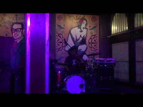 """Paring/Knife live at Bowie Feathers El Paso, TX 09/06/2015 [song] """"Wait"""""""