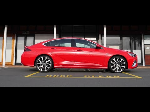Holden Commodore VXR - REVIEW - right car, wrong badge