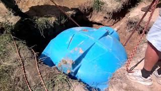 24072011019.mp4(Монтаж септика Уронили бочку в яму., 2011-07-25T16:24:28.000Z)