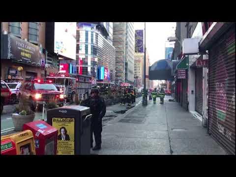 Several hurt in New York City blast, suspect nabbed