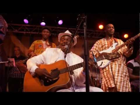 Mory Kante (Live in Paris / La Guineenne album release July 2012)