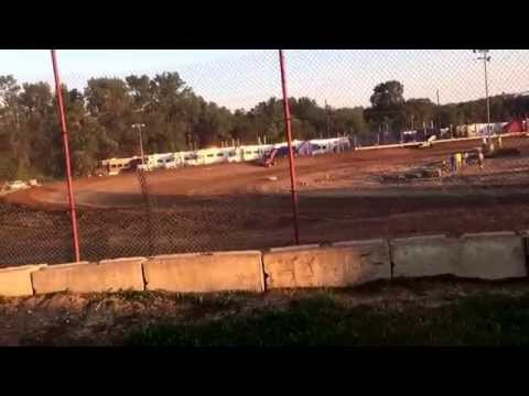 Sprint car racing at Quincy Raceways