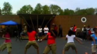 Oh so fly Girlz dancing to Ridiculous Kiddz