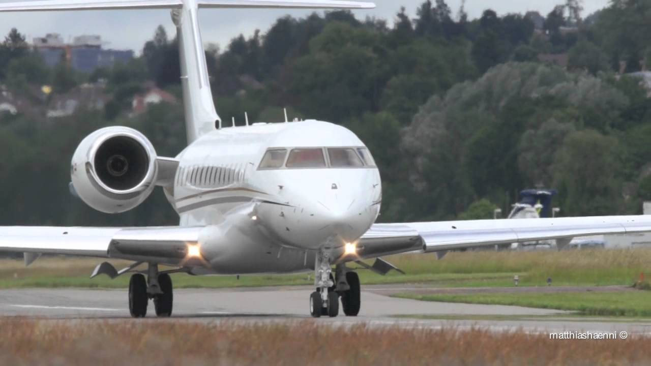 Bombardier Bd 700 1a10 Global Express Xrs Take Off At