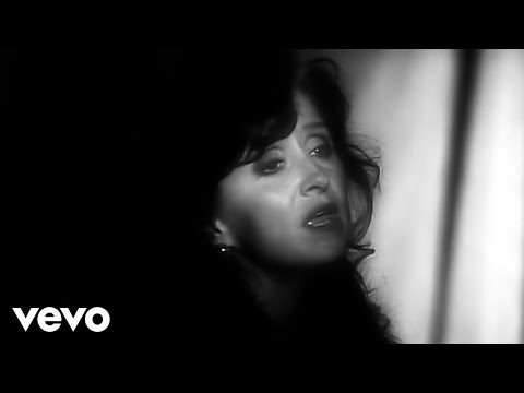 Bonnie Raitt - I Can't Make You Love Me (Official Video)