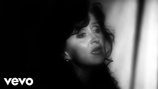 Bonnie Raitt - I Can't Make You Love Me (Official Video)