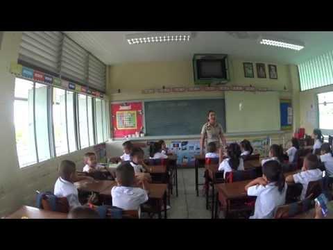 เรียนที่บ้าน ทำการบ้านที่โรงเรียน ( คลิป ครูสอนภาษาไทย )