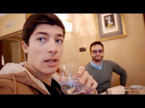 Starbucks a Milano e Ristorante storico! (Savini vs Starbucks)