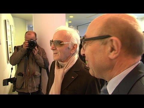 Exposition Trenet: Charles Aznavour redécouvre son idole - 12/04