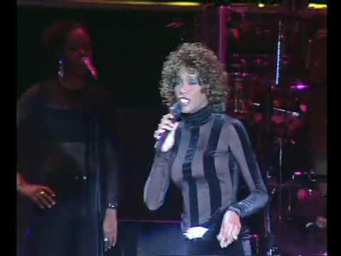"Rare Clip! ""I'm Every Woman"" LIVE Whitney Houston  July 4, 1998 Lisbon, Portugal"