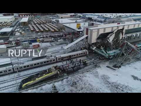 Un tren destruido y 9 muertos tras chocar con una locomotora en Turquía