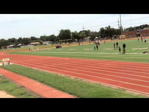 Riley running the 400