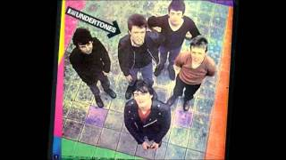The Undertones - The girls don't like it. (w/lyrics)