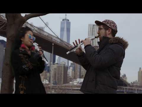 New casual wind instrument  Venova session in NYC Brooklyn bridge