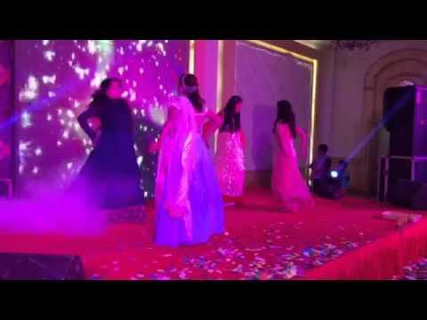 Sangeet dance - Chull and kheech meri photo!