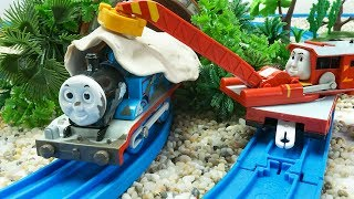 Thomas Ghost Train with Play-Doh - Toy Trains for Kids & Children