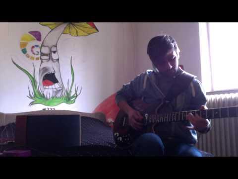 Deacy amp room sound