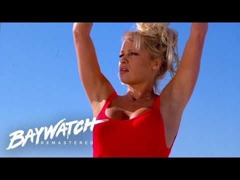 Scottro - Pam Anderson Still Likes To Wear Her Iconinc Baywatch Swimsuit