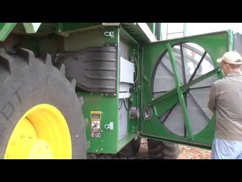 John Deere GoCotton: C690 Cleaning Rear Axle and Cooling Package