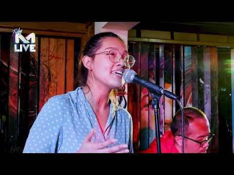 Free Download Friday M Live : Monita Tahalea - Sesaat Yang Abadi | Live At M Radio Surabaya Mp3 dan Mp4