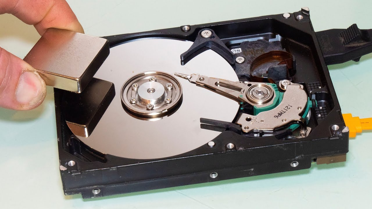 Will a Magnet Erase my PC 's Hard Drive ?