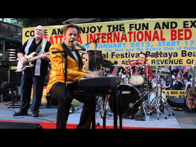Jerry Carlson Hey Baby Jerry Lee Lewis Impersonator Pattaya Concert