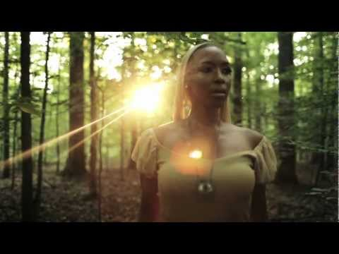 Carolyn Malachi - Beautiful Dreamer (Official Music Video)