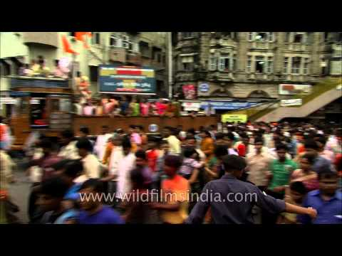The greatness of Ganesha- Chaos in Mumbai streets