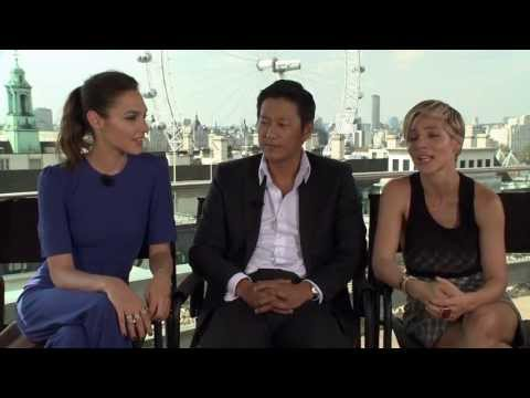 Fast & Furious 6: Fan Questions, Fast Answers- Gal, Sung & Elsa on the fans