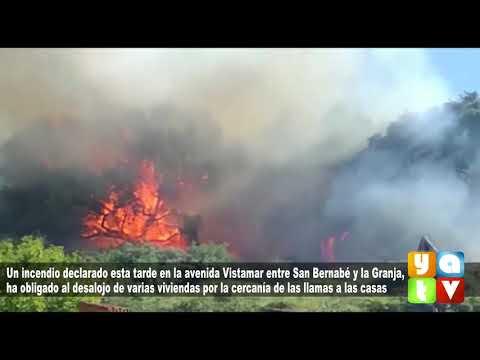 Un peligroso incendio en la avenida Vistamar obliga a desalojar varias viviendas