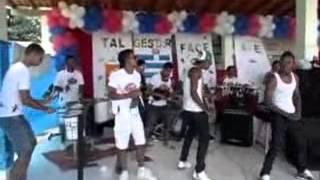 Banda Mais Ki Hits   Mini Show Colégio Complexo de Valença Bahia Brasil