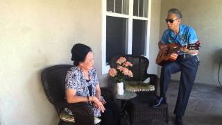 Dad sings for mom - Xe Hoa Mot Chiec