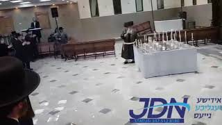 Kretchnif Yerushalayim Rebbe Lighting Candles In Honor Of Lag Baomer 5780