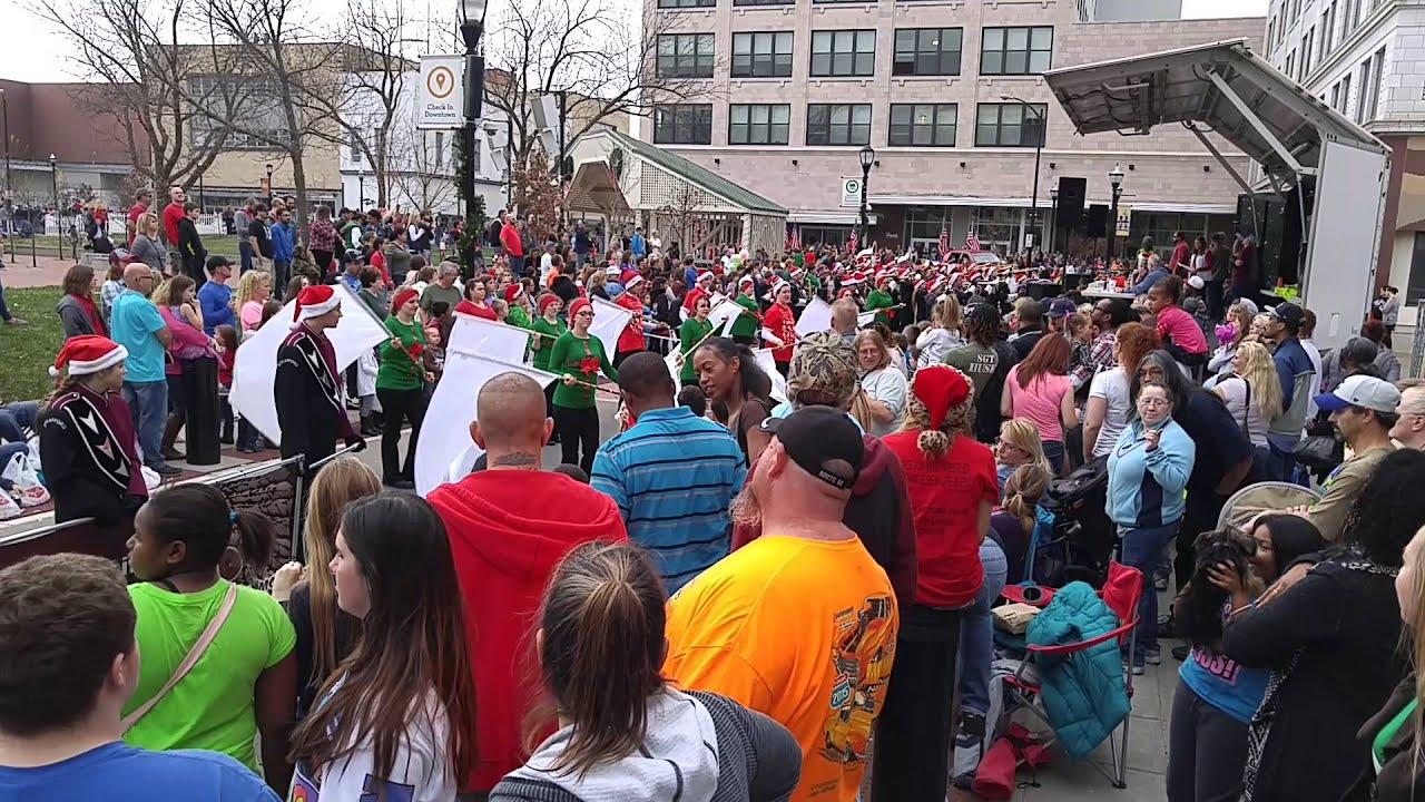 Strafford Band Springfield Christmas Parade - YouTube