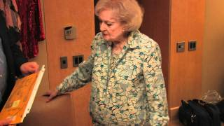 "Betty White Talks About ""Golden Girls"" Costumes from Rue McClanahan"