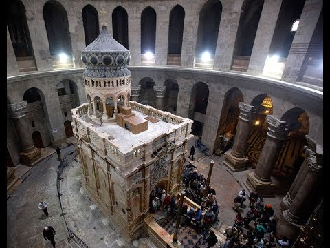 Explanation of the renovated tomb of Jesus - Church of the Holy Sepulchre, Jerusalem, Israel