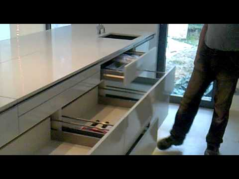 schlieter klein holz metall design moderne k che elektrische schubkasten grass. Black Bedroom Furniture Sets. Home Design Ideas